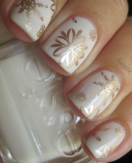 nail-art-designs-www_hotbeautyhealth_com_nails_10-festive-holiday-nail